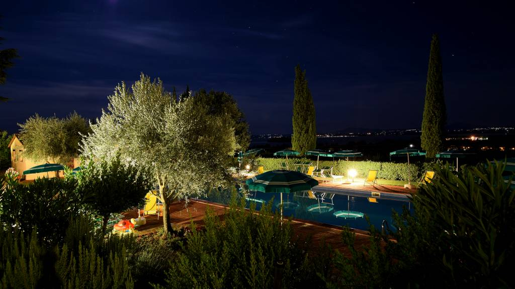 relais-borgo-torale-tuoro-sul-trasimeno-wedding-location-pool-DSC-3082